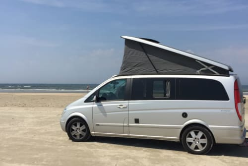 Hire a motorhome in Berlin from private owners| mercedes Boo
