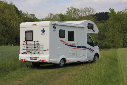 Hire a motorhome in Vöhl from private owners| Ahorn Eco 660