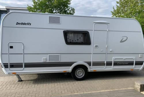 Hire a motorhome in Vechelde from private owners| Dethleff Lindi