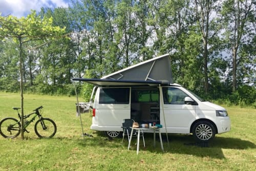 Hire a motorhome in Herzogenaurach from private owners  Volkswagen Cali