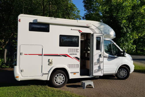 Hire a motorhome in Erlangen from private owners| Challenger Tommy's WoMo