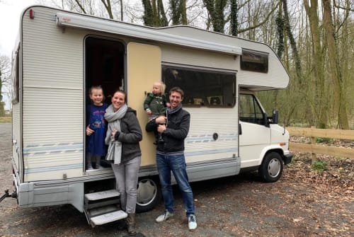 Hire a motorhome in 's-Gravenzande from private owners| Fiat Avontuur
