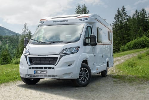 Hire a motorhome in Braunschweig from private owners| Weinsberg Camp4life
