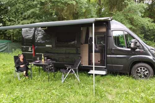 Hire a motorhome in Berlin from private owners| Sunlight BATy