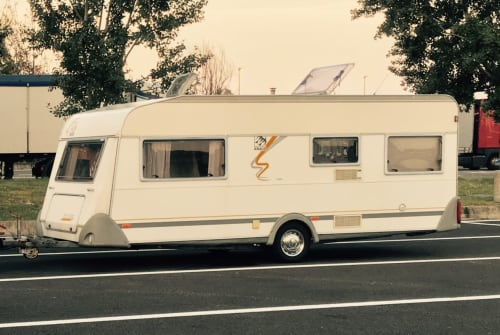 Hire a motorhome in Herrenberg from private owners| Knaus Knausi Mausi