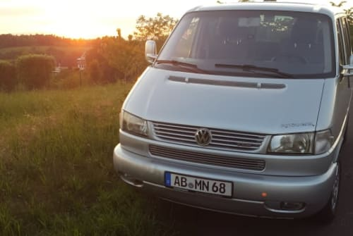 Hire a motorhome in Aschaffenburg from private owners| VW Moby