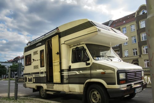 Hire a motorhome in Berlin from private owners| Peugeot Chanchoski :)