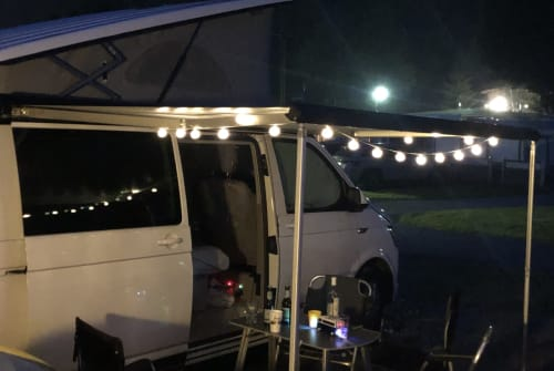 Hire a motorhome in Holzkirchen from private owners| VW VerschwindiBus