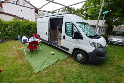 Hire a motorhome in Nürnberg from private owners  Citroen  Theo