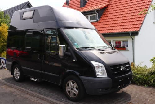 Hire a motorhome in Köln from private owners| Ford  Hörnchen