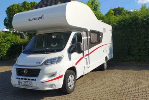 Hire a motorhome in Iserlohn from private owners| Sunlight Los Angeles
