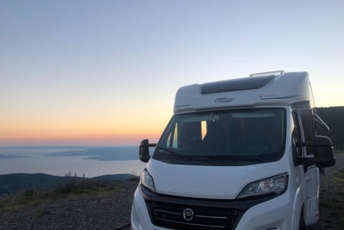 Hire a motorhome in Konstanz from private owners| Carado CORE-rado