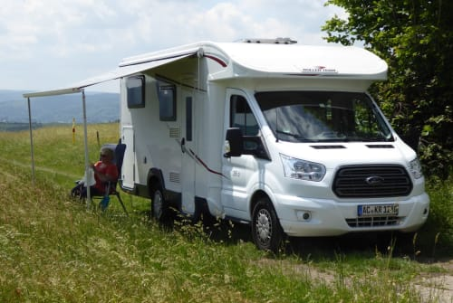 Hire a motorhome in Alsdorf from private owners| Autoroller Muro