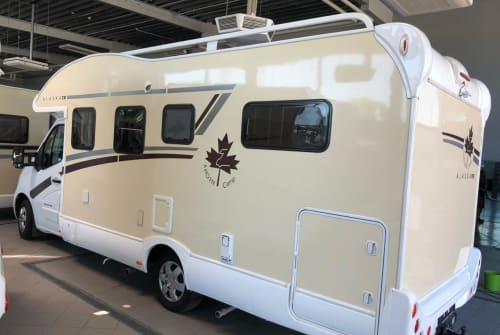 Hire a motorhome in Darmstadt from private owners| Ahorn Greta