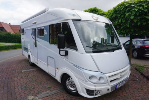 Hire a motorhome in Armstorf from private owners  T.E.C. I-TEC 710 G
