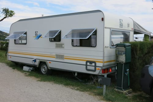 Hire a motorhome in Beilngries from private owners| Knaus Familienhänger
