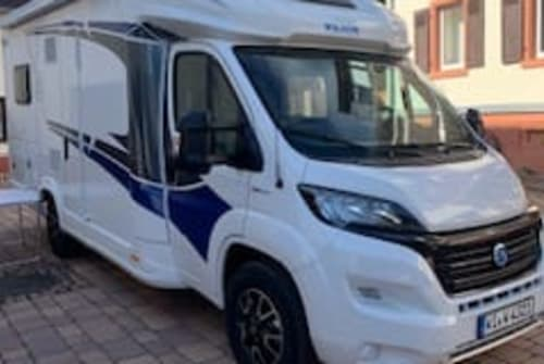 Hire a motorhome in Wiesbaden from private owners| Knaus Wavelinger