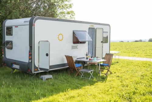 Hire a motorhome in Stephanskirchen from private owners| Knaus Familienstern