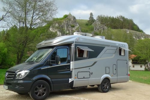 Hire a motorhome in Hemau from private owners| Hymer Life pur