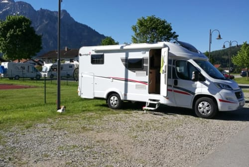 Hire a motorhome in Kaufbeuren from private owners| Fiat Ducato Sunny