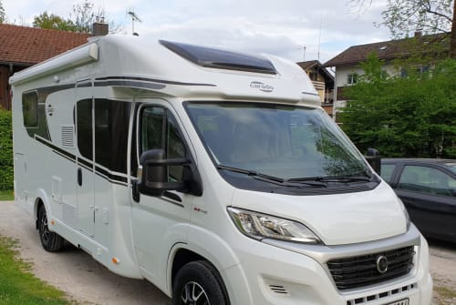 Hire a motorhome in Oberaudorf from private owners| Carado  Oleg