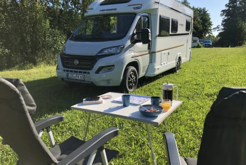 Hire a motorhome in Berlin from private owners| Weinsberg BOB :)