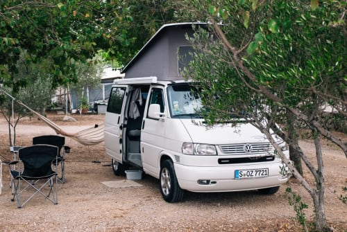 Hire a motorhome in Metzingen from private owners| Volkswagen Urban California