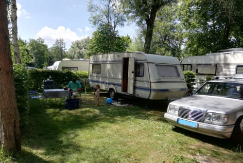 Hire a motorhome in Wolfenbüttel from private owners| WILK Jack