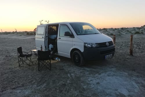 Hire a motorhome in Berlin from private owners| Vw T5 Motte