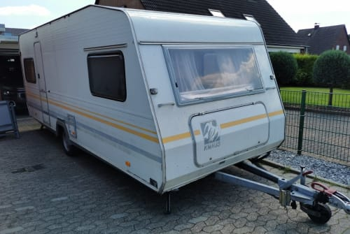 Hire a motorhome in Tönisvorst from private owners| Knaus Südwind 530 TK
