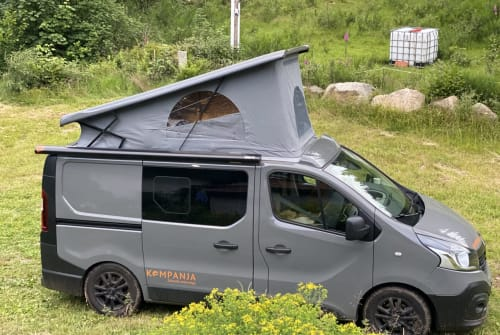 Hire a motorhome in Wuppertal from private owners| Peugeot Traffic Kompanja
