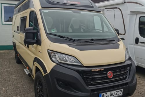 Hire a motorhome in Stolberg from private owners| Challenger Vany 217