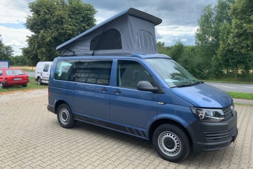 Hire a motorhome in Eichenzell from private owners| VW VW T6 Camper