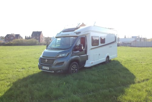 Hire a motorhome in Limburg an der Lahn from private owners| Weinsberg Franziska