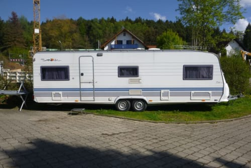 Hire a motorhome in Reichertshausen from private owners| Hobby Hobby Prestige