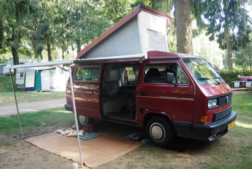 Hire a motorhome in Helmond from private owners| Volkswagen Kweens