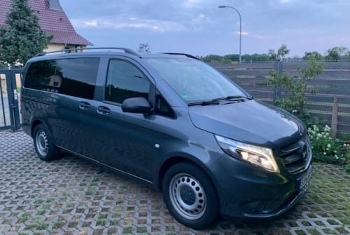 Hire a motorhome in Alperstedt from private owners| Mercedes Vini