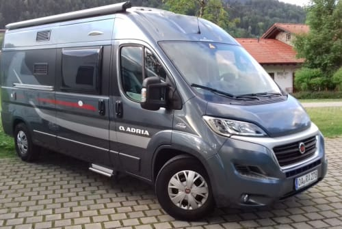Hire a motorhome in Oberstaufen from private owners| Adria Marienkäfer