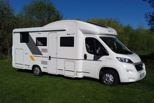 Hire a motorhome in Oberstaufen from private owners| Sun-Living Hummel-Brummel