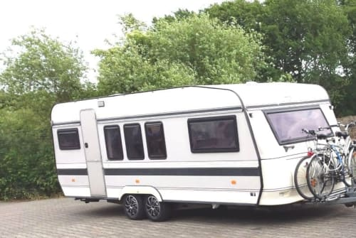 Hire a motorhome in Hamm from private owners| Hobby Shabby chic New