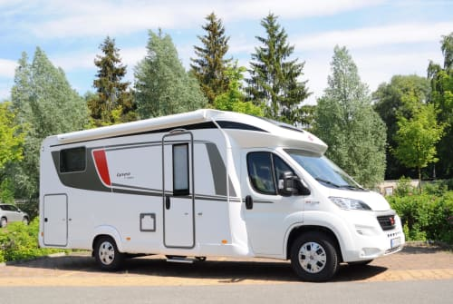 Hire a motorhome in Hennigsdorf from private owners| Bürstner Lyseo