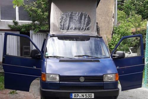 Hire a motorhome in Kranichfeld from private owners| Volkswagen LPG blau Grüne Pl. 110PS