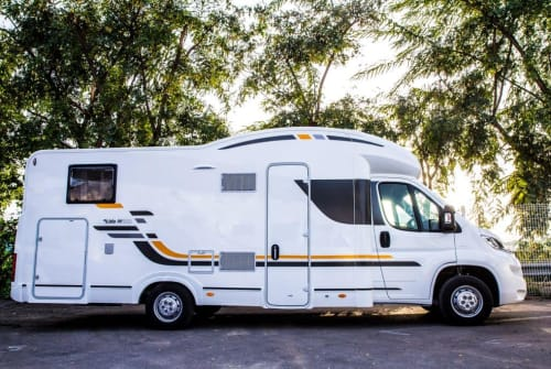 Hire a motorhome in Berlin from private owners| Sun Living Sun Living