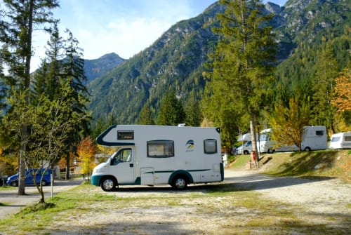 Hire a motorhome in Wuppertal from private owners| Weinsberg Bergi
