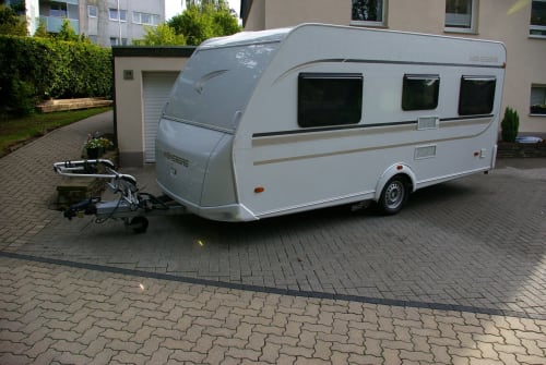 Hire a motorhome in Siegen from private owners| Weinsberg Mia15