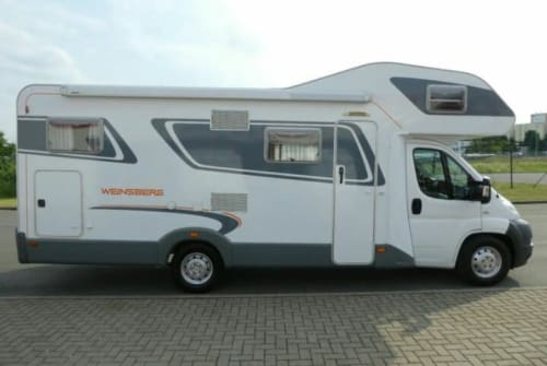 Hire a motorhome in Schenklengsfeld from private owners| Fiat Moby Dick