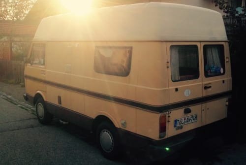 Hire a motorhome in Geretsried from private owners| Volkswagen Fliegender Goldklumpen