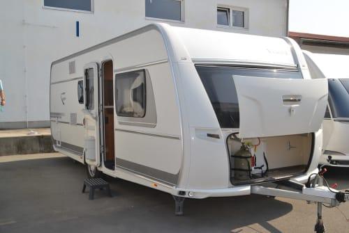 Hire a motorhome in Stahnsdorf from private owners| Fendt Sigiriya II