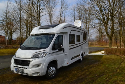 Hire a motorhome in Büren from private owners| ETRUSCO Dexter