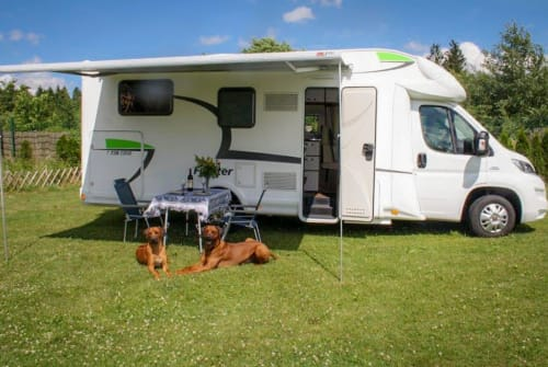 Hire a motorhome in Lauterhofen from private owners| Euramobil Forster